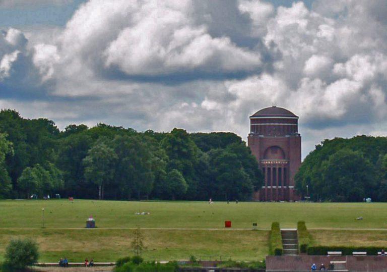 Fotos der Stadt und des Stadtparks in Hamburg