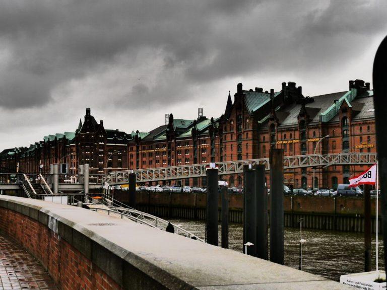 Dramatische Fotos aus Hamburg im März 2016